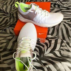 Nike Free R 7 Trainers 👟 white shoes Nike